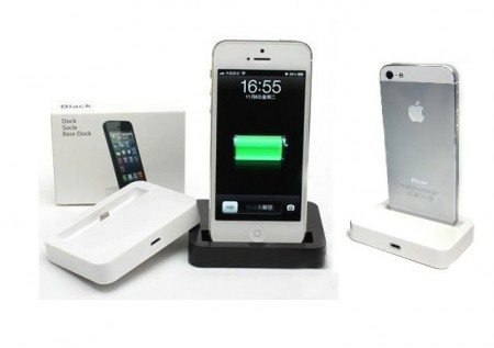 Dock-and Charging Station for Apple iPhone SE/5/5s and Apple iPod Touch 5